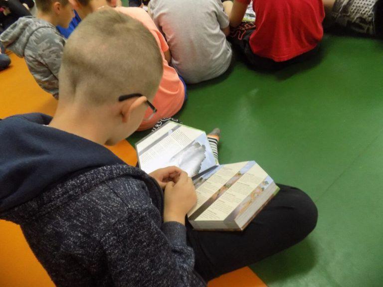 """XV OGÓLNOPOLSKI TYDZIEŃ BIBLIOTEK """"(DO)WOLNOŚĆ CZYTANIA"""""""