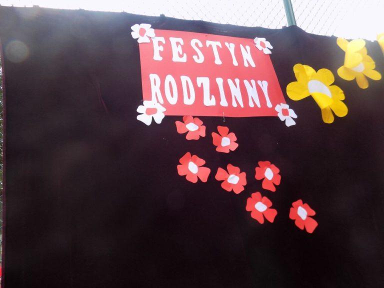 """Dnia 8 czerwca odbył się w naszej szkole Festyn Szkolny- Rodzinny pod hasłem """"Mam talent"""""""